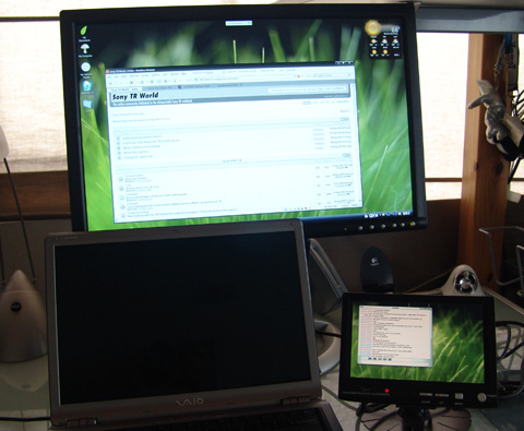 how to use two monitors at once